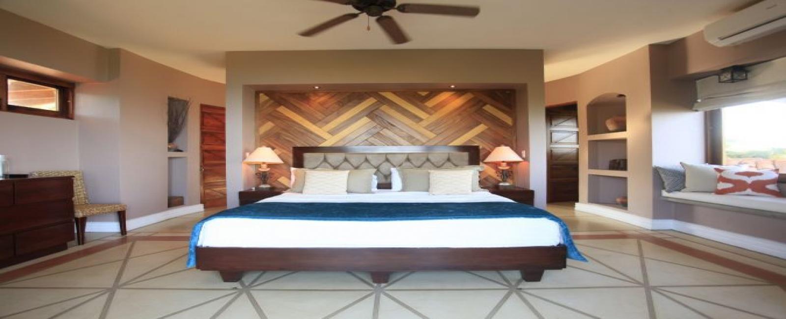 3 Bedrooms Bedrooms, ,4 BathroomsBathrooms,Villa,For Sale,1011